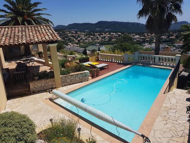 Villa à 5 mn de Cassis avec vue paradisiaque!