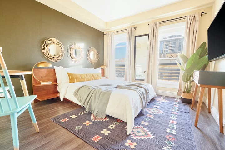 Sonder *Monthly Discounts* Room at The Marin Near Ralphs Grocery