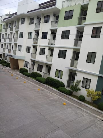 Studio unit for rent at Santa Rosa City, Laguna - Santa Rosa  - Pis