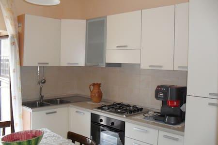 2 camere Cucina e Bagno nel cuore del Pollino - Civita