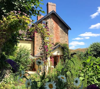 All Stretton, Shropshire: Buxton House B&B