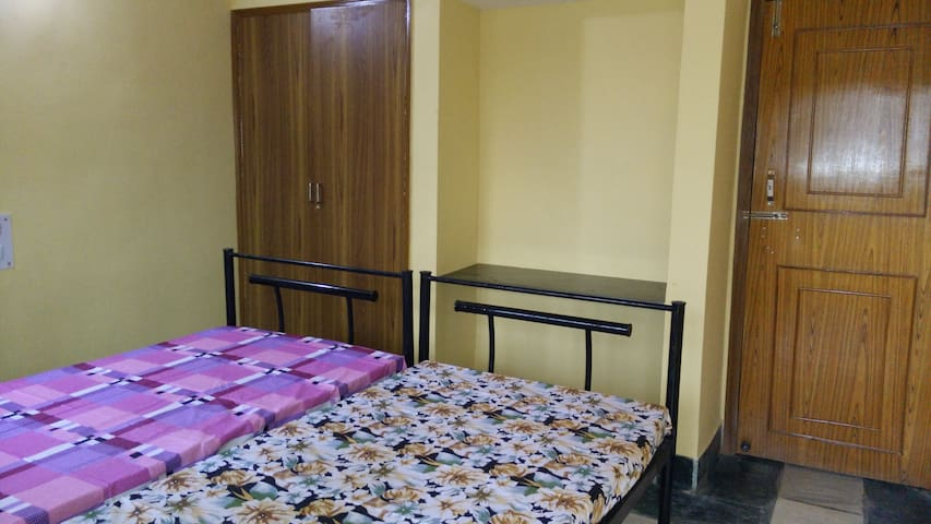 Surya Kamal Guesthouse room 1 attached washroom - Jamshedpur