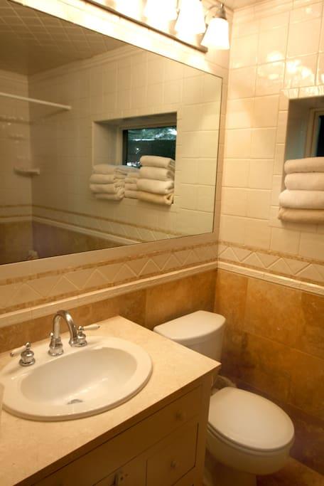 Marble / tile bath