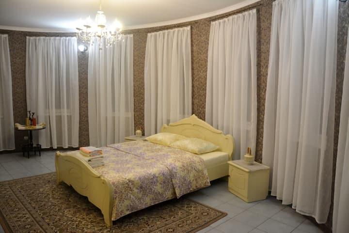 Зимний сад-спальня, гостевой дом Изумрудный