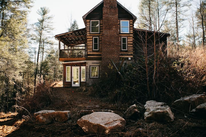 Wilderness Cabin-Simply Luxurious, Spectacular & Upscale-Close to Hendersonville - Flat Rock - Lägenhet