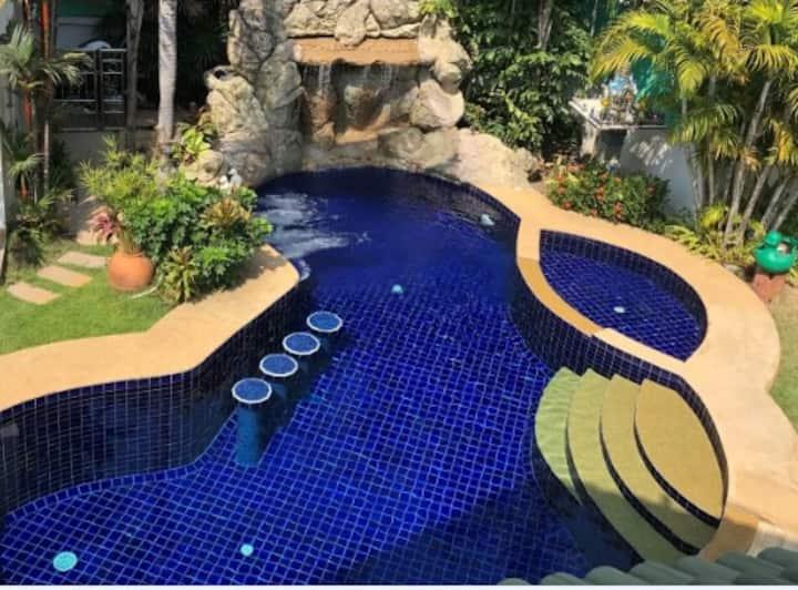 Romantic Villas 6BR : Private Pool and Water Falls
