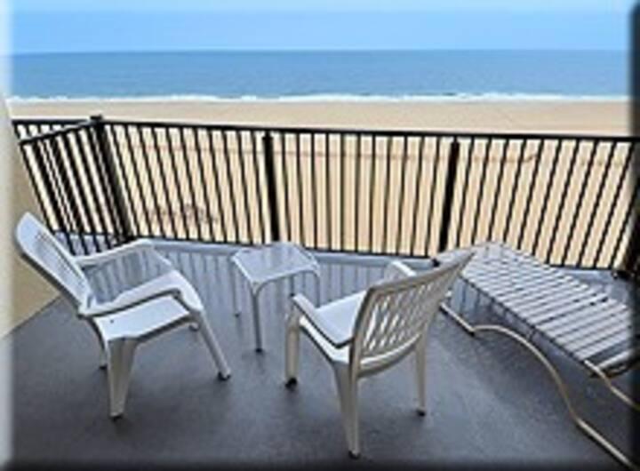 Oceanfront on the Boardwalk! 4th of July week!!!