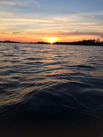 FISH,BOAT,KAYAK,CANOE,RELAX... PARADISE AWAITS!