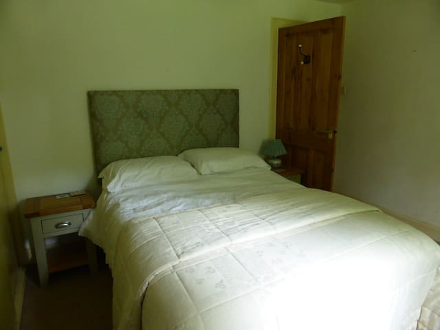 En suite double room - East Lothian