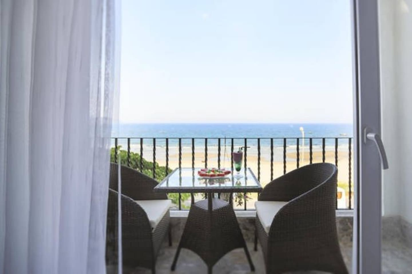 Private room by the beach #6