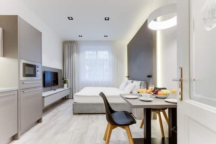 Lampi Hotel Prague (APT #210)