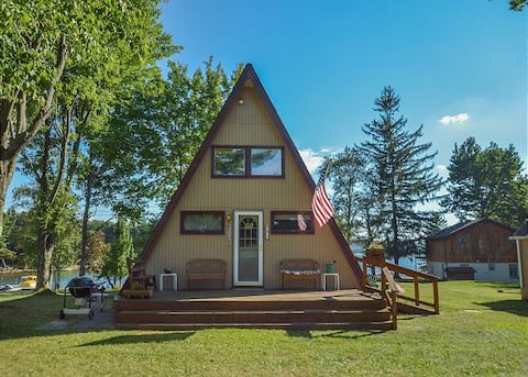 NEW - Lakefront Cozy Cottage with Private Dock!