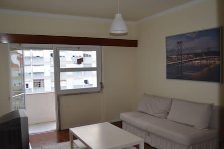 Ótimo apartamento em Benfica - Lisboa - Wohnung