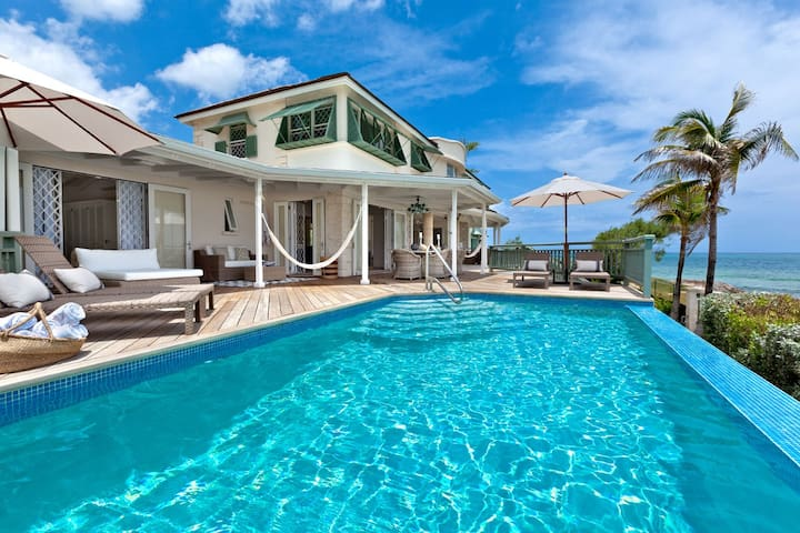 Amazing Beachfront 5 Bed with Pool - Emily House