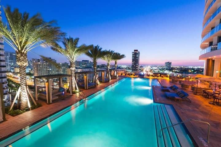 /C y H  Residences - Hyde Beach Resort  4 Pax