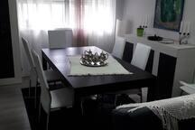 Quarto individual em apartamento renovado