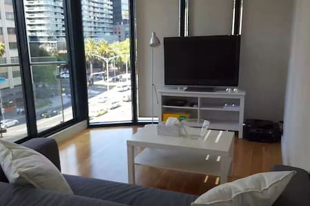 【Silver Leaf】Cozy Private DB Room - South Melbourne