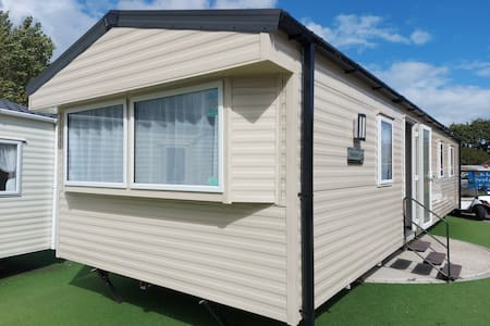UK Staycation - Brand New Caravan - Coombe Haven
