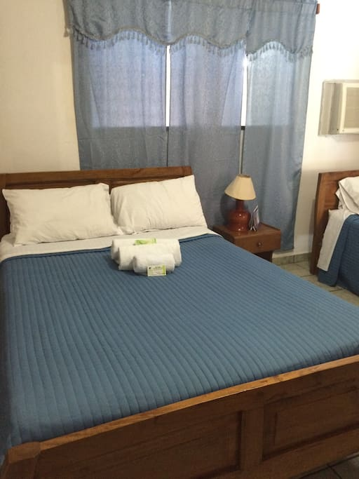 deal room for guests traveling in a group | Chambre idéale pour invités voyageant en groupe