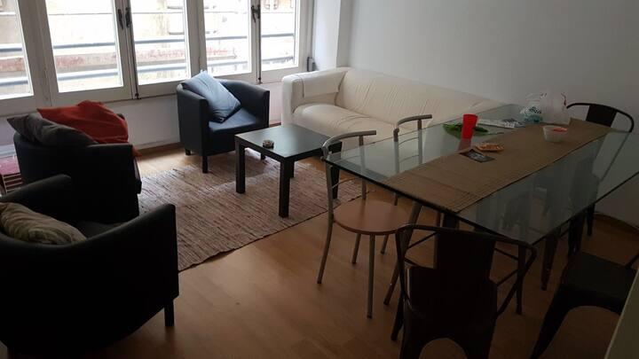 Habitación individual con balcón privado