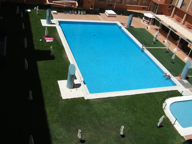 Room close to FIBES Conference Exhibition Centre - Sevilla - Apartment