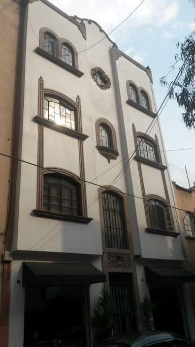 fachada del edificio tipo europeo