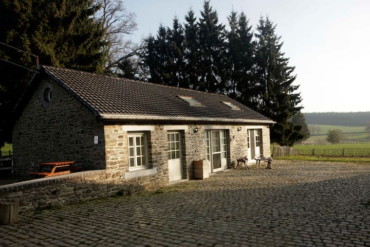 authentieke cottage Ferme de la Hé - Bastogne