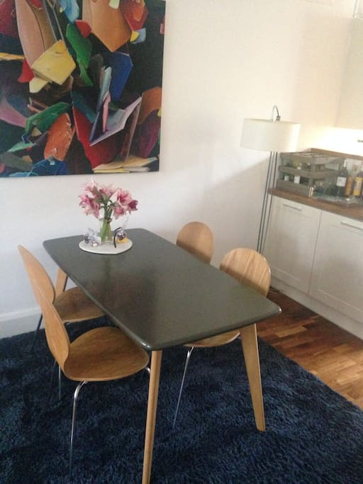 Open planing living: dining table
