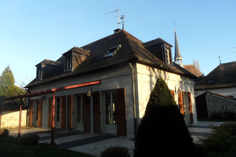 NATURA LISA MAISON INDIVIDUELLE Houses For Rent In Lésigny Île - Maison individuelle ile de france