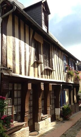 "Maison ""Louis XI"" du XV eme siècle"