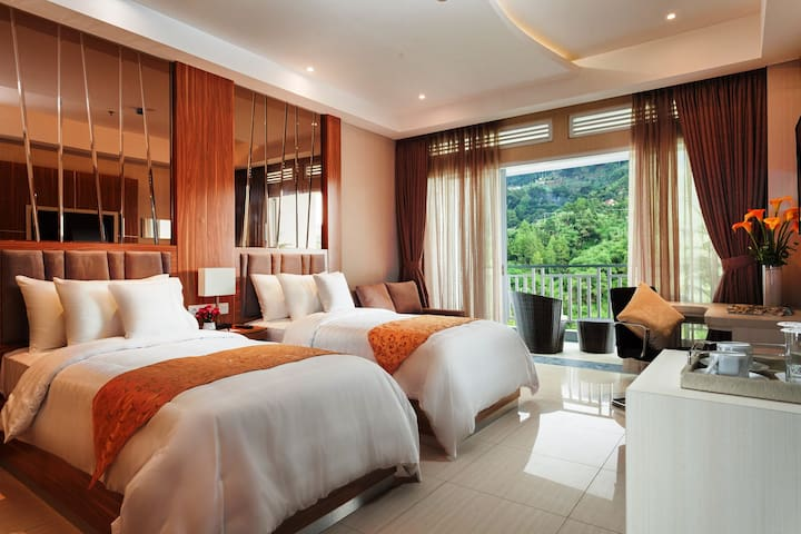 Suite Room w/B'fast In Ciloto Puncak-Full Facility