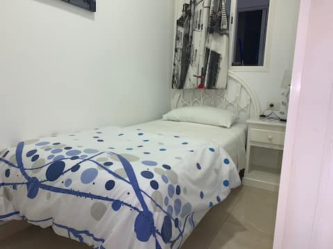 Chambre simple privée à Los Cristianos beach