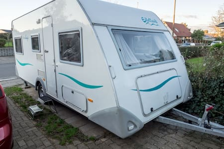 Cozy camper with access to house and garden - Struer - Camper/RV