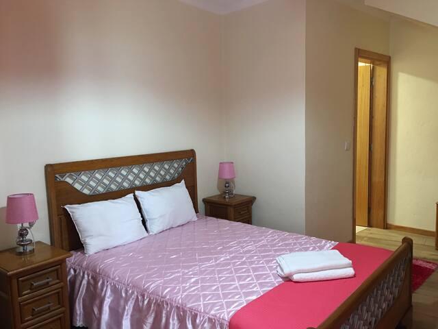 Casa Do Bisavô - Pink Suite