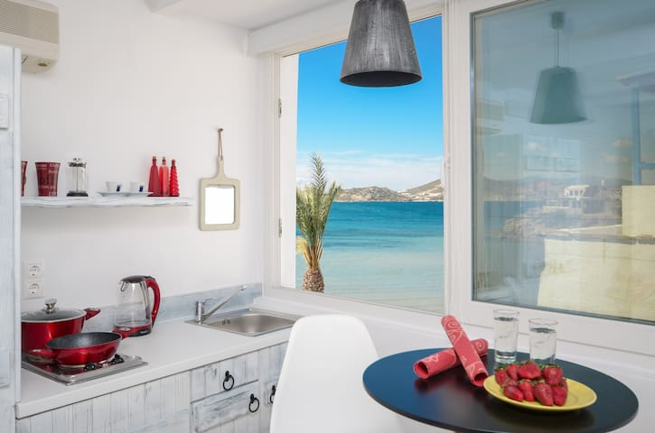 Sea view studio15metres from the sea,Central place