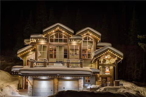 Ski in Luxury Home - hot tub in private back yard