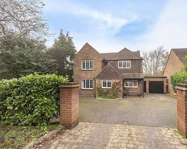 Single Bedroom & Garden Studio in Little Chalfont