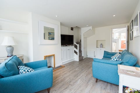 Sandpiper Cottage,  Alderney ,Self-Catering