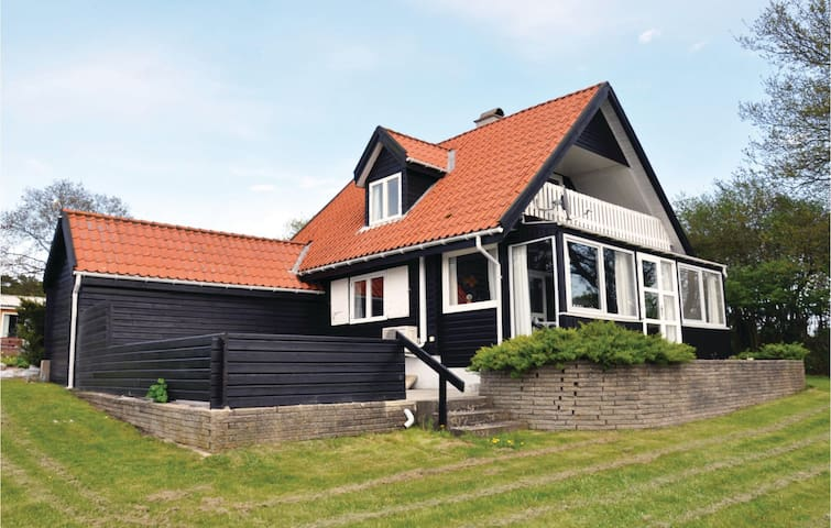 Holiday cottage with 3 bedrooms on 101 m² in Broager