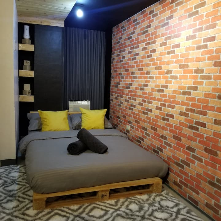 Industrial Style Room Taguig (GStompingGround302)