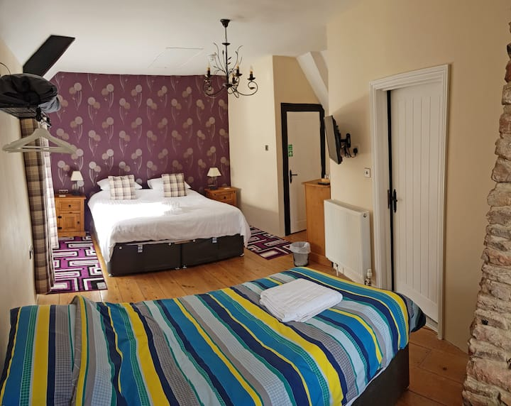 AA 4* B&B, The Purple room, breakfast included