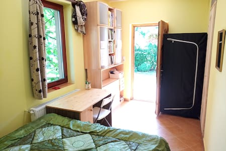 Room in a village near Budapest, close to airport