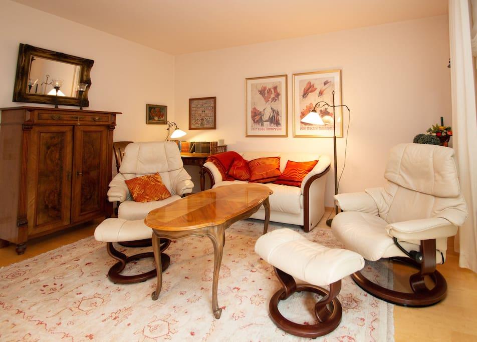 Wohnzimmer (Sitzbereich)
