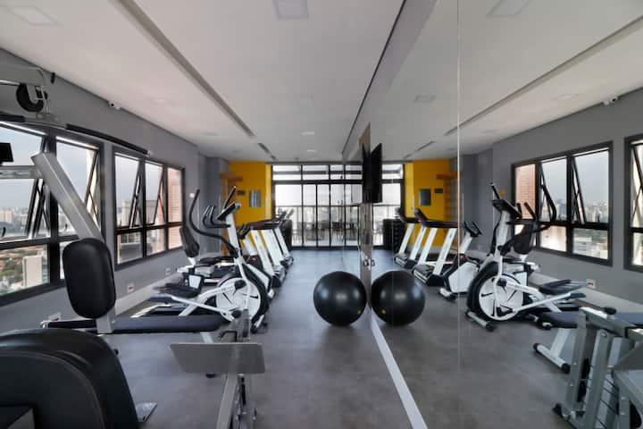 Sofisticado apartamento a 400m do Metrô