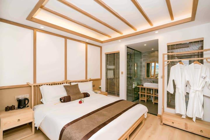 『禅意和风,诗意栖居』淡竹-素雅舒适大床丨设计师民宿,日式装修房间通透有地暖,订三晚免费接机。