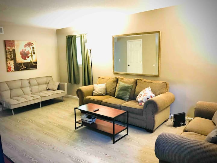 Relax in this Comfortable 2 Bedroom Apartment