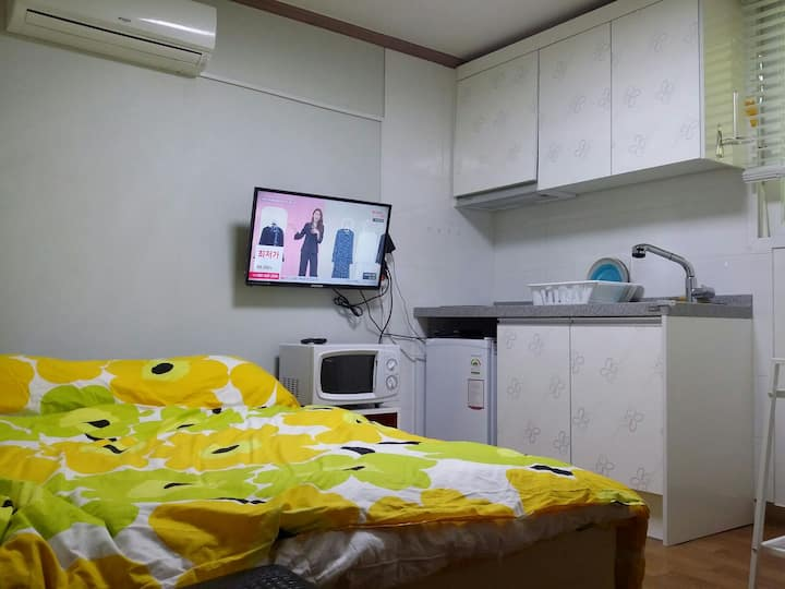 private  new apt for 1-2, near subway, seoul(201)