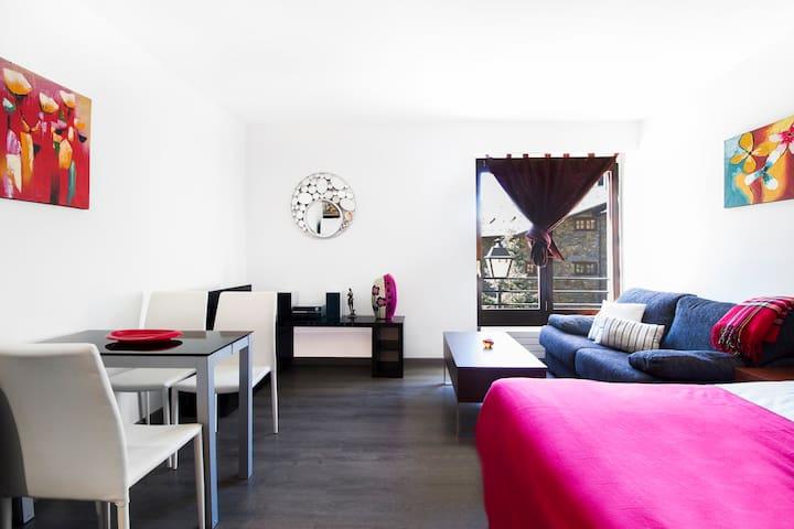 Modern studio apartment. TTtrem16
