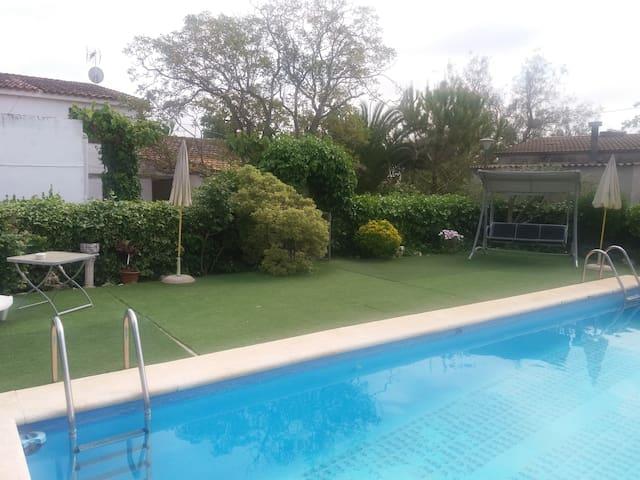 private masia & Pool La Bleda - Sant Martí Sarroca - Rumah liburan