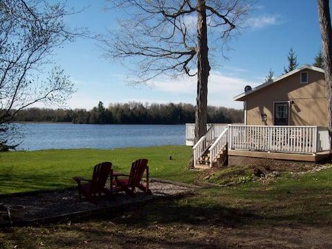 Upper Beverley Lake Cottage- 2 bedrm, Delta, ON